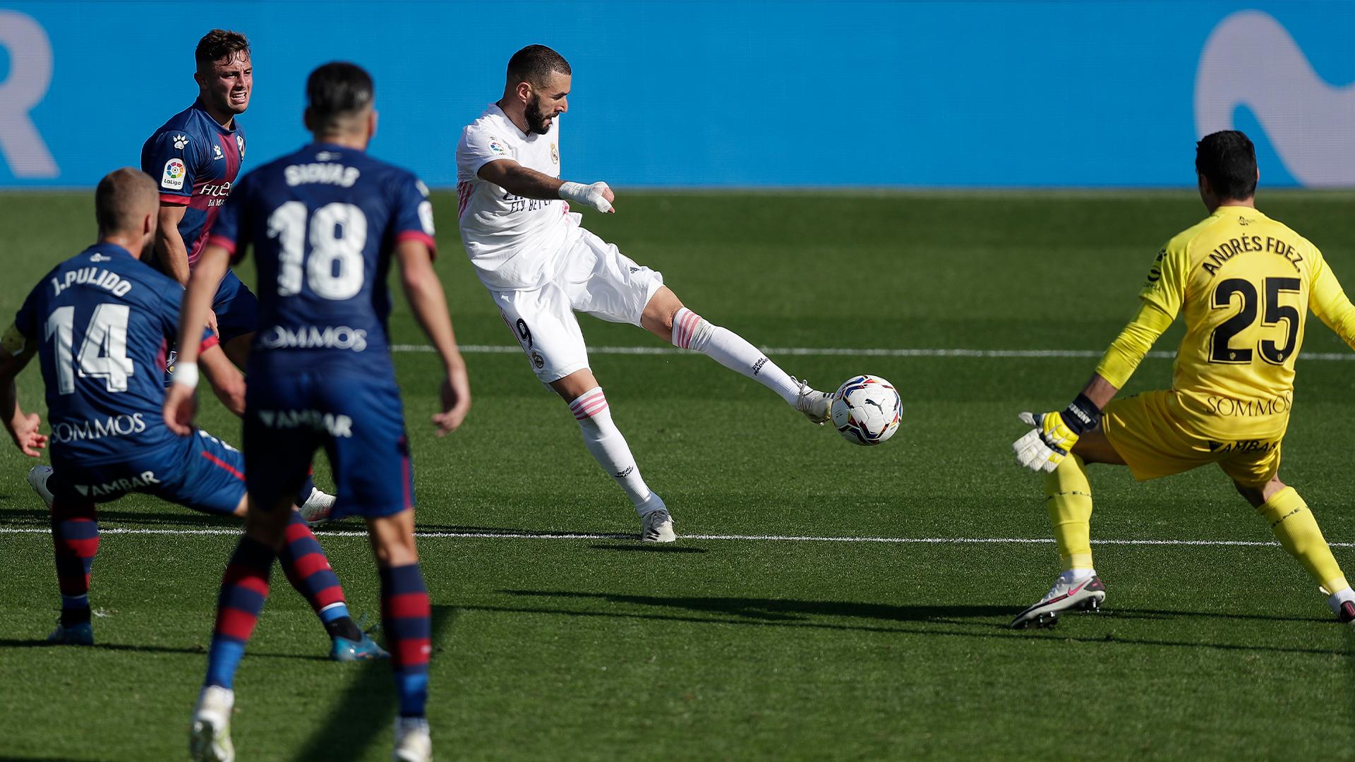 بنزيما وهازارد يقودان ريال مدريد للتفوق على هويسكا في الليغا