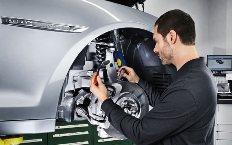 You can book your #Jaguar #Service Online from the Comfort of your own Home.  #Follow the link to Request a Service: 👉 https://t.co/lm5CZCycFK https://t.co/bV1XRkBbdn