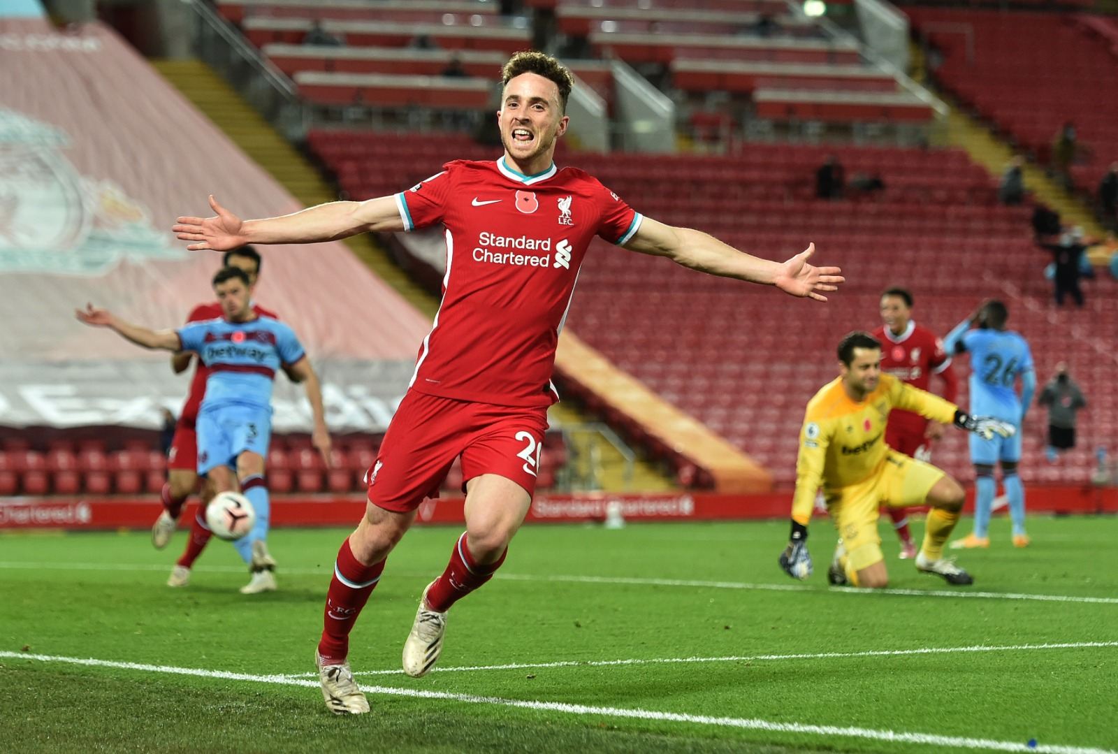 ROBERTSON BACK FOR CHELSEA CLASH