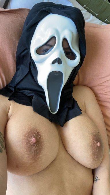 Waking up on Halloween morning like... https://t.co/Px0U5ywXsO