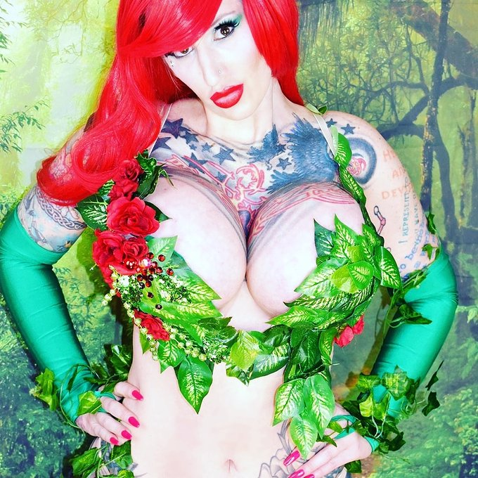 1 pic. Happy #Halloween  A retrospective on my awesome #Costume and #cosplay from the past few years  #PoisonIvy
