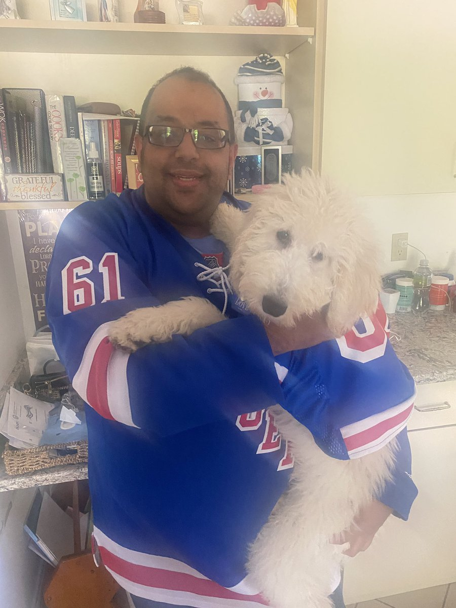 Man it's ridiculous when parent dress their kids in matching costumes.... 😝 let's go rangers #puppylove #poodlesofinstagram #poodle #rangers #nyrangers #nyrangersfan @JoeCaramagna https://t.co/R3rbrOFD4x