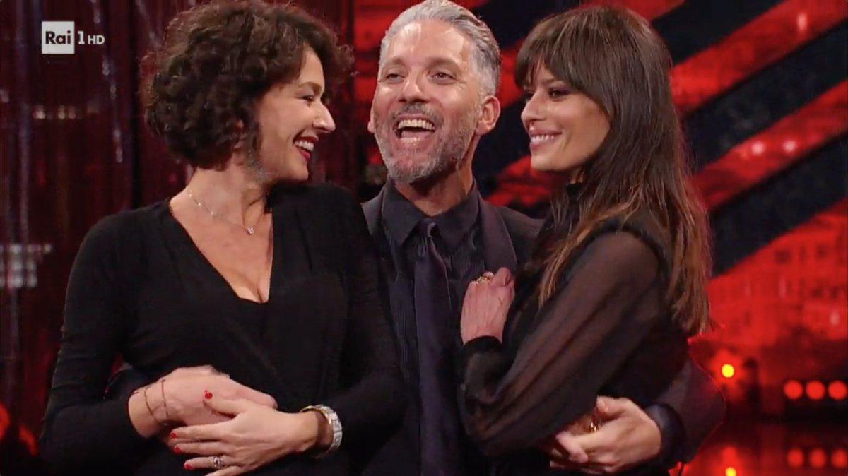 Spettacolari ..fantastico Beppe un abbraccio da Palermo per te e le bellissime e brave Claudia e Nicole !