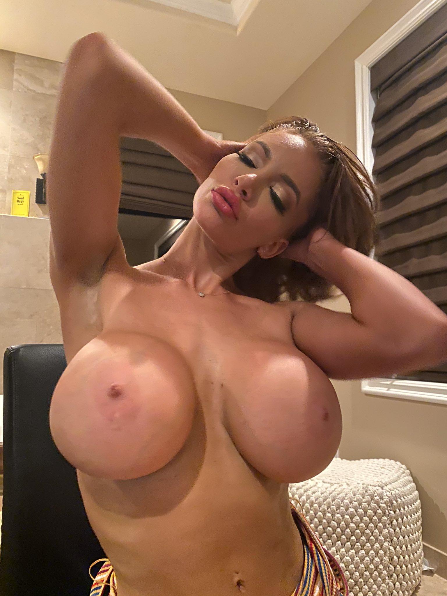 Nicolette Shea Twitter
