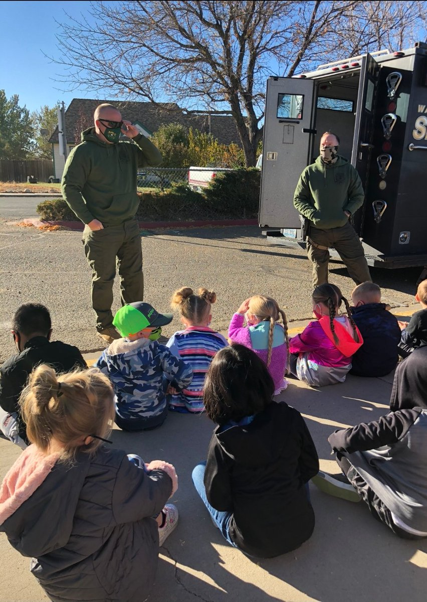 Last Wednesday, Deputies Glynn & Bird visited the kindergarten classes at Alyce Taylor Elementary on #FirstRespondersDay. Deputies offered safety tips as well as allowed the students to try on SWAT gear and check out the Bear. #proudsheriff #community #education #youth #volunteer