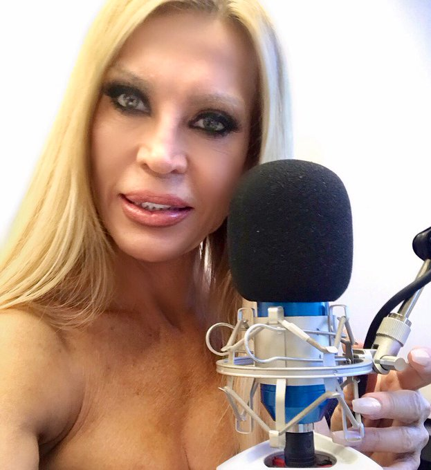 Great New Show In The Works #2021  #AmberMania Rides Again! #AmberLynn https://t.co/ssKMEmSIUJ