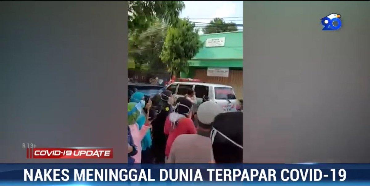 #Covid19UpdateMetroTV | Seorang tanaga medis di RSUD Jombang, Jawa Timur berusia 30 tahun meninggal dunia setelah terkonfirmasi positif Covid-19 melalui tes swab. Perawat yang bertugas di Ruang IGD itu meniggal setelah menjalani perawatan selama 10 hari.