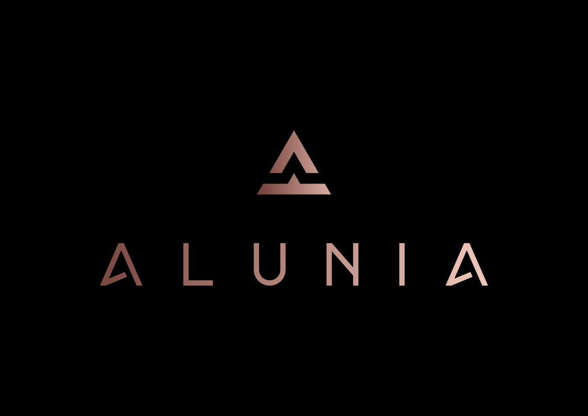 Get Luxury Logo design for your brand -->   #fashionblogger #jewelry #clothingbrand #premium #Paris #Milan #France #Australia #Melbourne #tokyo #Japan #Singapore #Malaysia #Bangkok #London #fashionista #luxurygirl