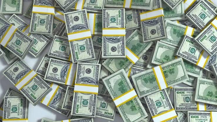 @KapilSharmaK9 पैसों की कुछ सीमाएं होती हैं, जिन्हे पार करने  के लिए, पैसों के पास कोई साधन नहीं होता..)✍🙏 @KapilSharmaK9