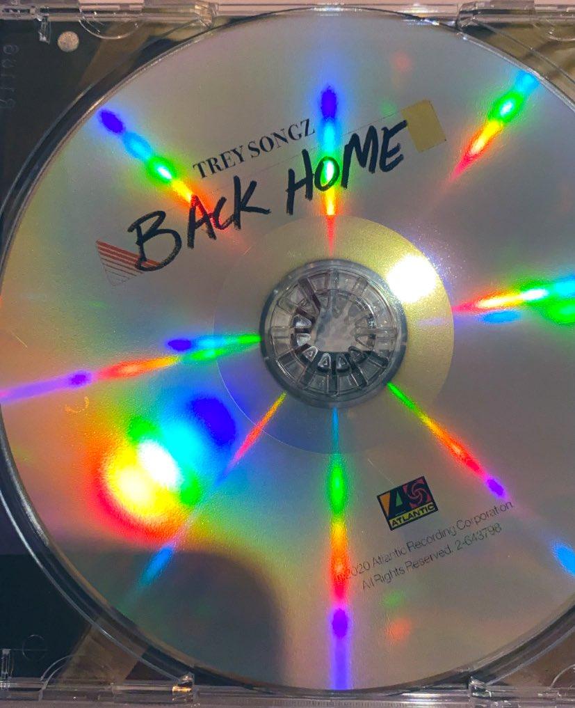 The CD itself is sooooo pretty 🤩