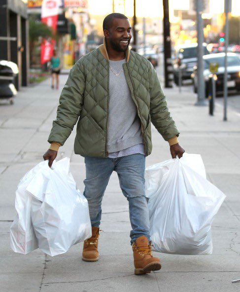 I'm voting for Kanye West for Favorite Artist - Contemporary Inspirational at the #AMAs https://t.co/kzJYd1LWuz