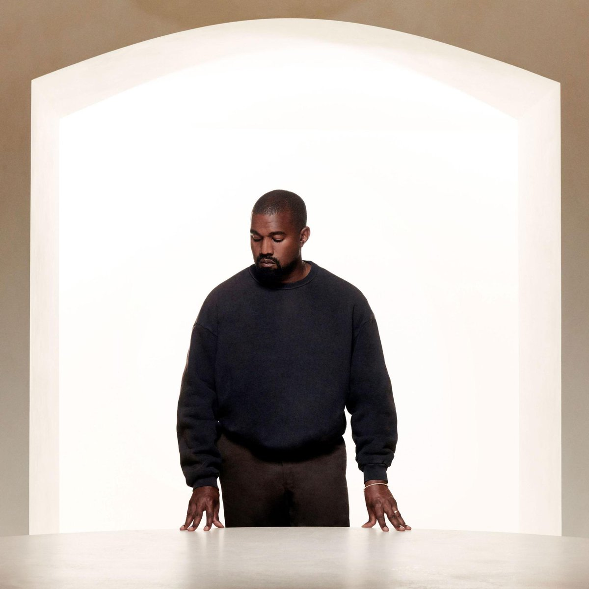 I'm voting for Kanye West for Favorite Artist - Contemporary Inspirational at the #AMAs https://t.co/8inIqhK0Rp