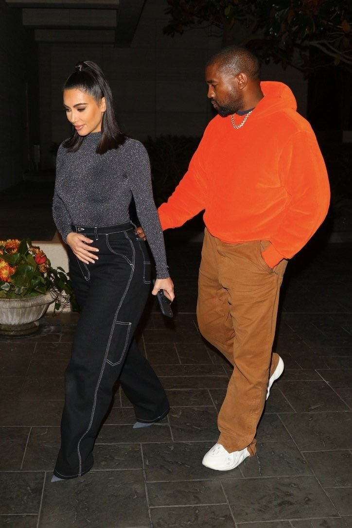 1 RT = 1 VOTE  I'm voting for Kanye West for Favorite Artist - Contemporary Inspirational at the #AMAs https://t.co/otlv5rWWJX
