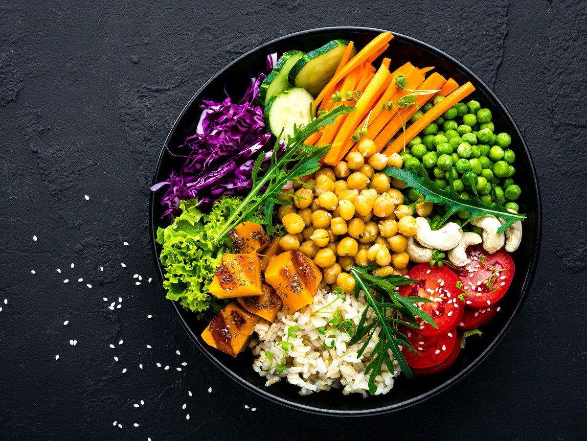 El estilo de vida, incluida la alimentación saludable, es clave para el control y la prevención de la diabetes tipo 2. Aprende cómo una dieta basada en plantas puede mejorar la sensibilidad a la insulina y aliviar la inflamación.https://t.co/0lm9t2UCjr (enlace en inglés) https://t.co/HTrJ9KkO6s