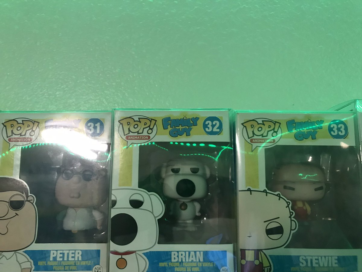 @LFVCL @SethMacFarlane I Really Would Like To Get These Pops Signed By You @SethMacFarlane