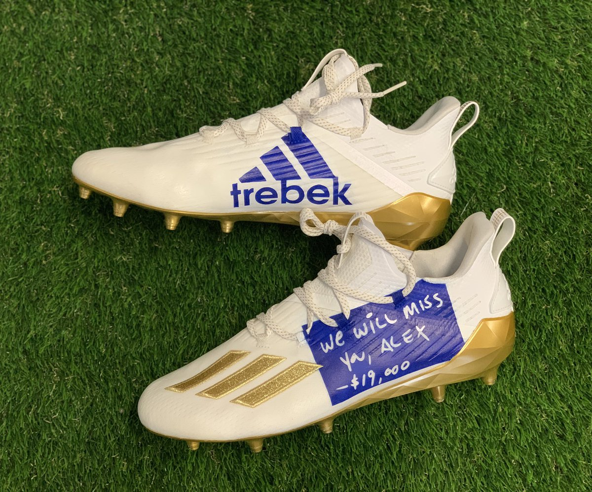 Special cleats @athielen19 is wearing pre-game on #MNF to honor the late legend Alex Trebek. 🙌 Via @MACHE275