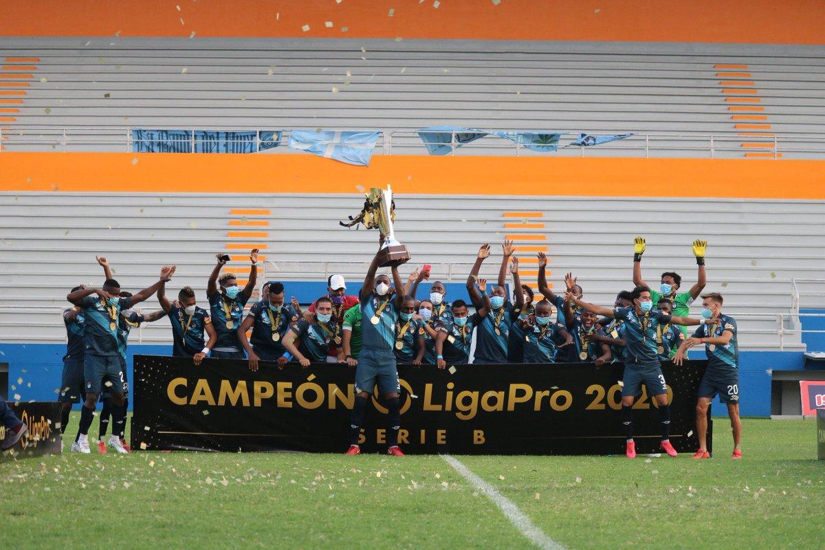 """9 de Octubre F.C. on Twitter: """"¡Somos campeones y estamos de vueltA!   #EnElCorazónDeGuayaquil #estamosdevueltA… """""""