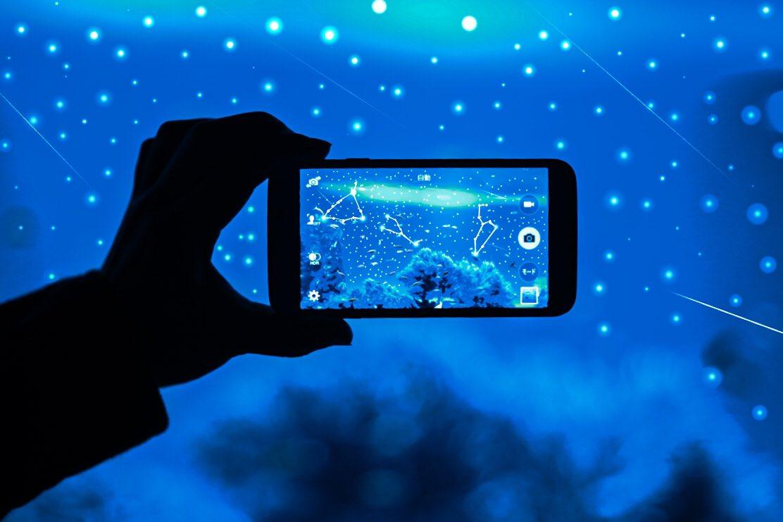 一個可以觀察星空和星座的水族館。 Em3A3QlVgAAuc6N