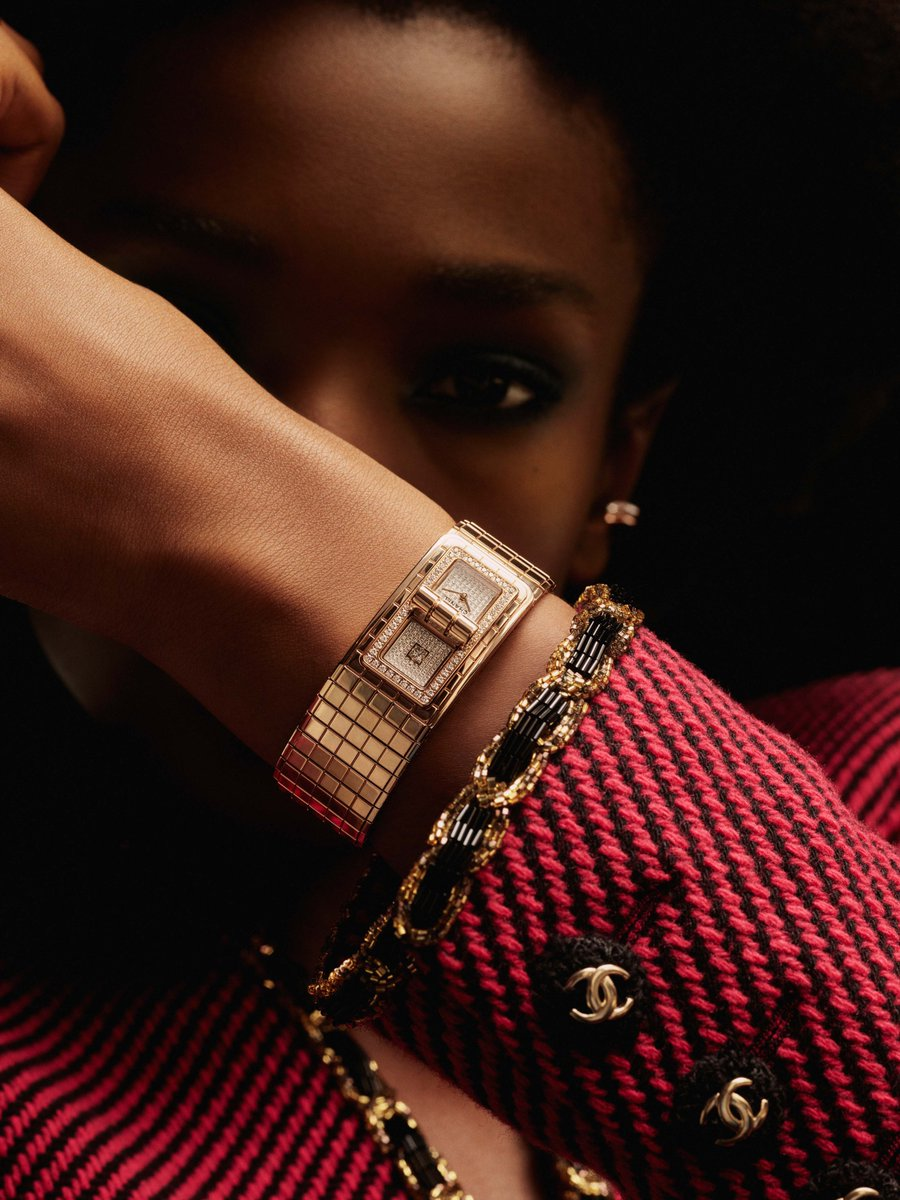 A @CHANEL dream never fades - #CHANEL présente ses dernières créations #Horlogerie et #Joaillerie #CHANELDreaming #CHANELFineJewelry #CHANELWatches #COCOCRUSH #CameliaCollection #PlumedeCHANEL #J12 #CHANELPremiere #CHANELBoyFriend #CODECOCO