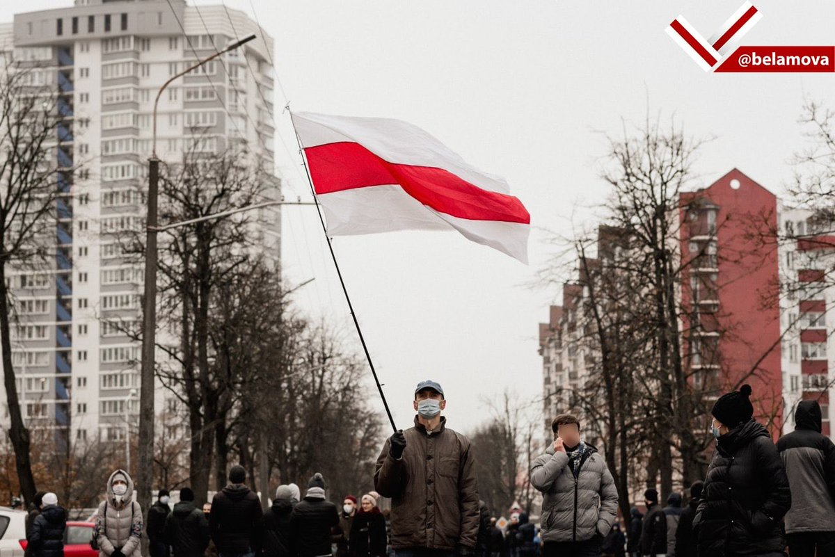 With hundreds of arrested and numerous injured today, as always Belarusian people showed their courage and resilience. The regime might destroy our flags and memorials, they might jail as many of us as they physically can, but more people will come and take our places. #Belarus