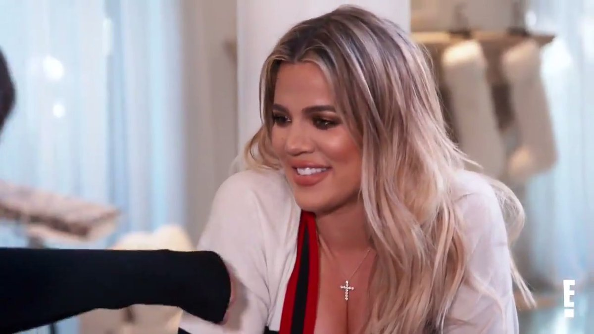 It's totally normal for a mom to buy her pregnant daughter 8 dozen donuts 😊 #KUWTK https://t.co/zWhNHxZxpD
