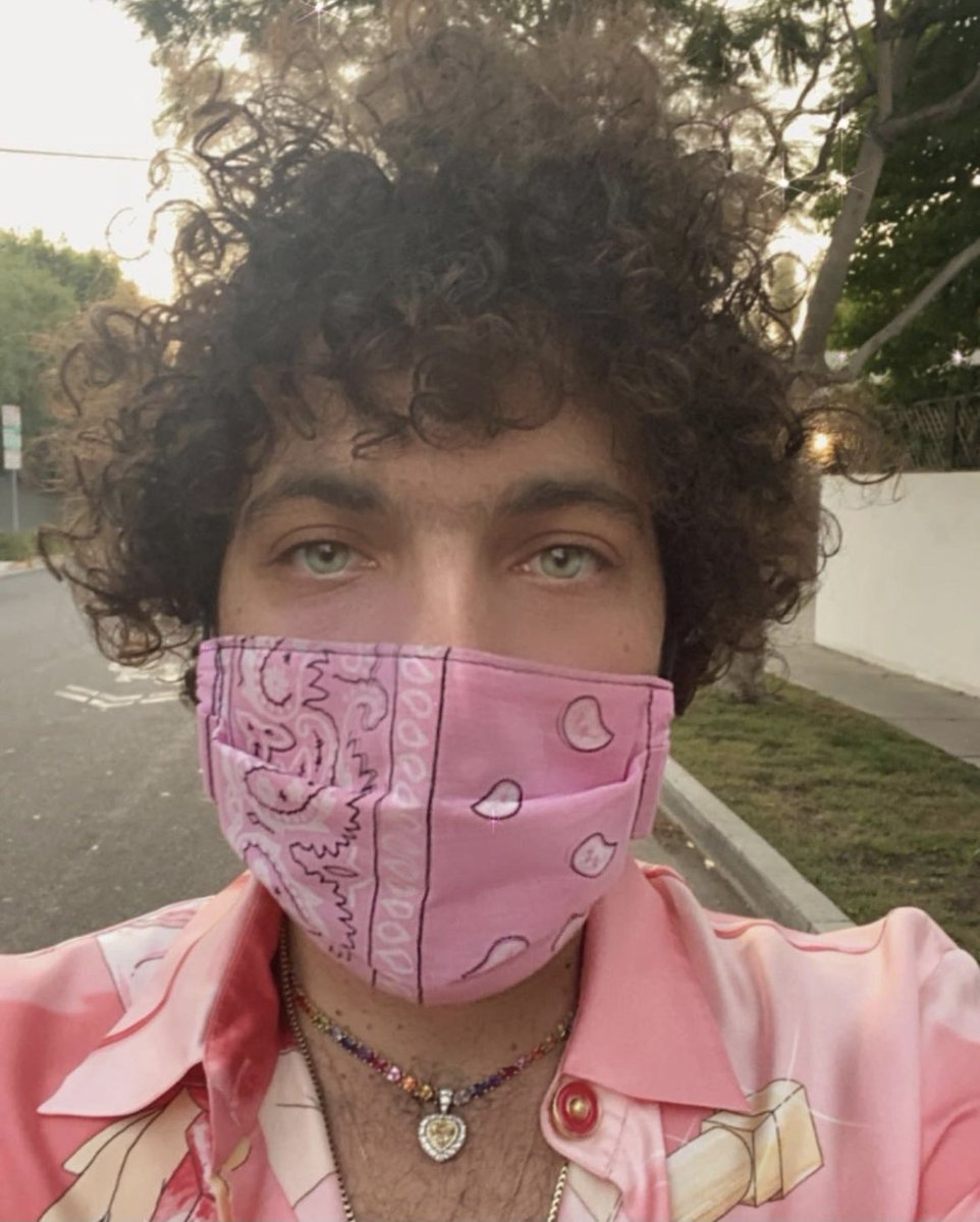 can u pls wear ur fucking mask and learn how to cook so we all don't die? thank u have a good weekend