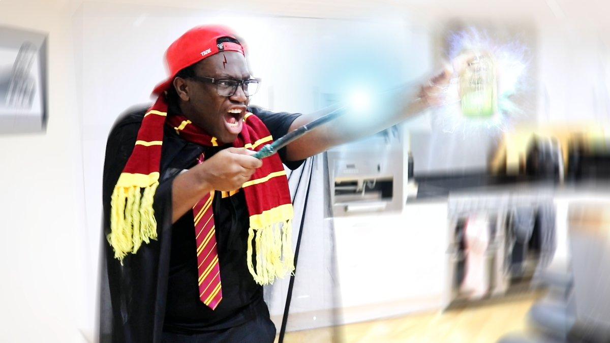 Black Harry Potter youtube.com/watch?v=mGKjS9…