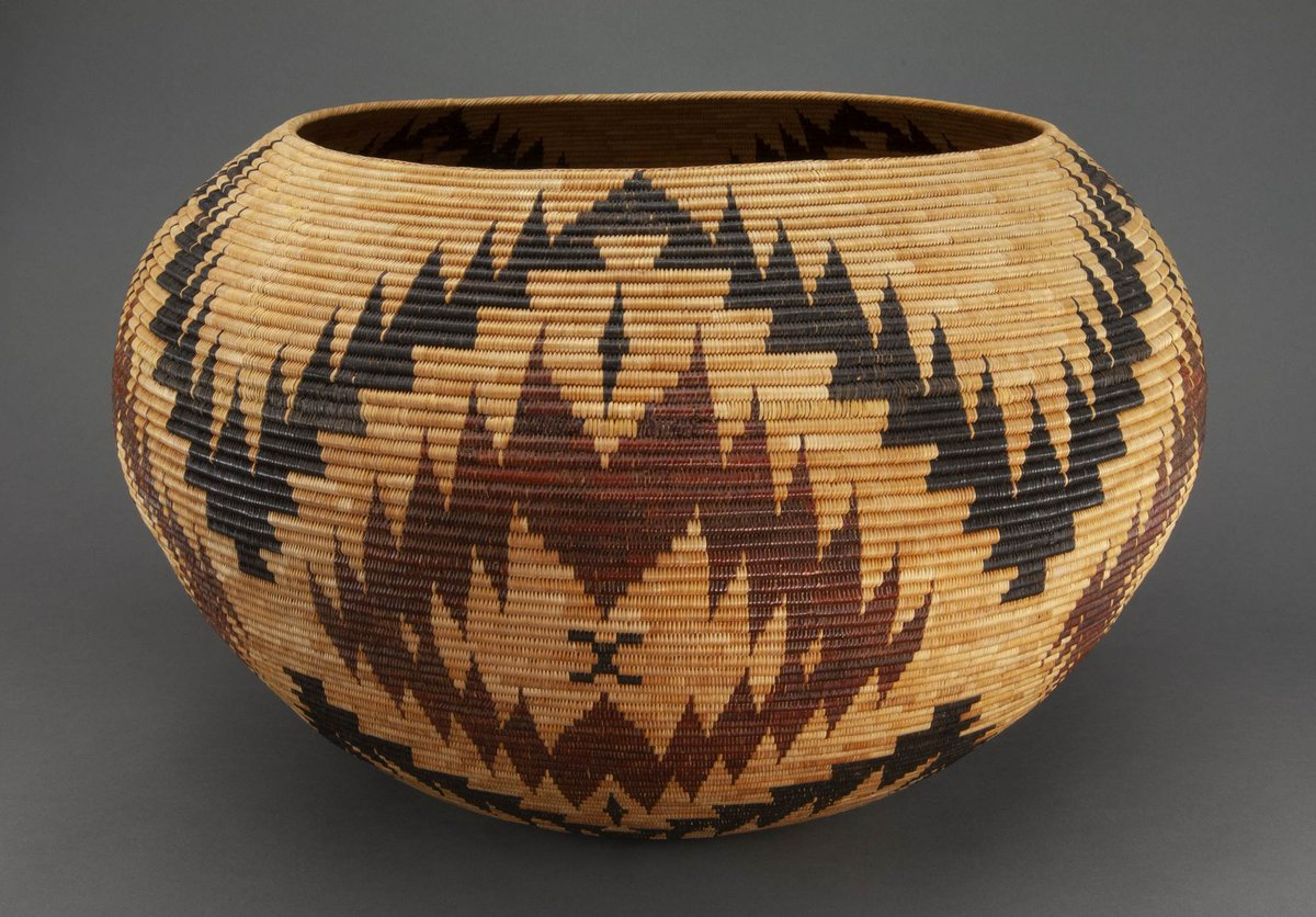 Baskets served many purposes in the lives & culture of Yosemite's first peoples. Basket weaving is an art that is still practiced today, with techniques passing down from one generation to the next. Explore the virtual exhibit: https://t.co/gYNobdYFGv #NativeAmericanHeritageMonth https://t.co/yS6NMwQAeN