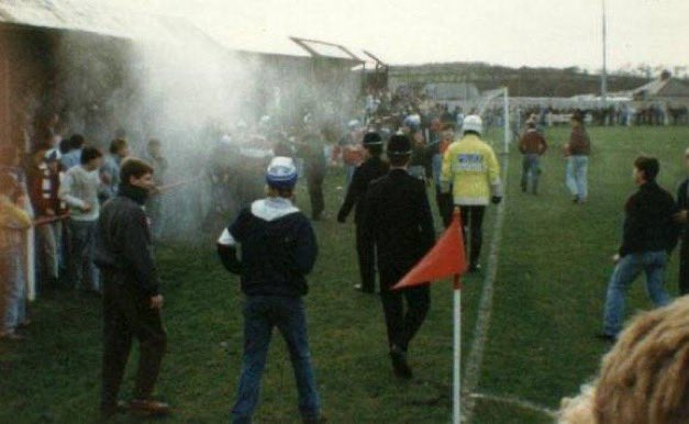 Replying to @Awaydays23: ON THIS DAY 1986: Stockport County at Caernarfon Town #stockportcounty