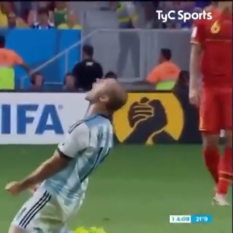 Javier Macherano anunció su retiro del fútbol y es un buen momento para recordar cómo sentía la camiseta de la Selección Argentina. GRACIAS POR TANTO  🇦🇷❤️