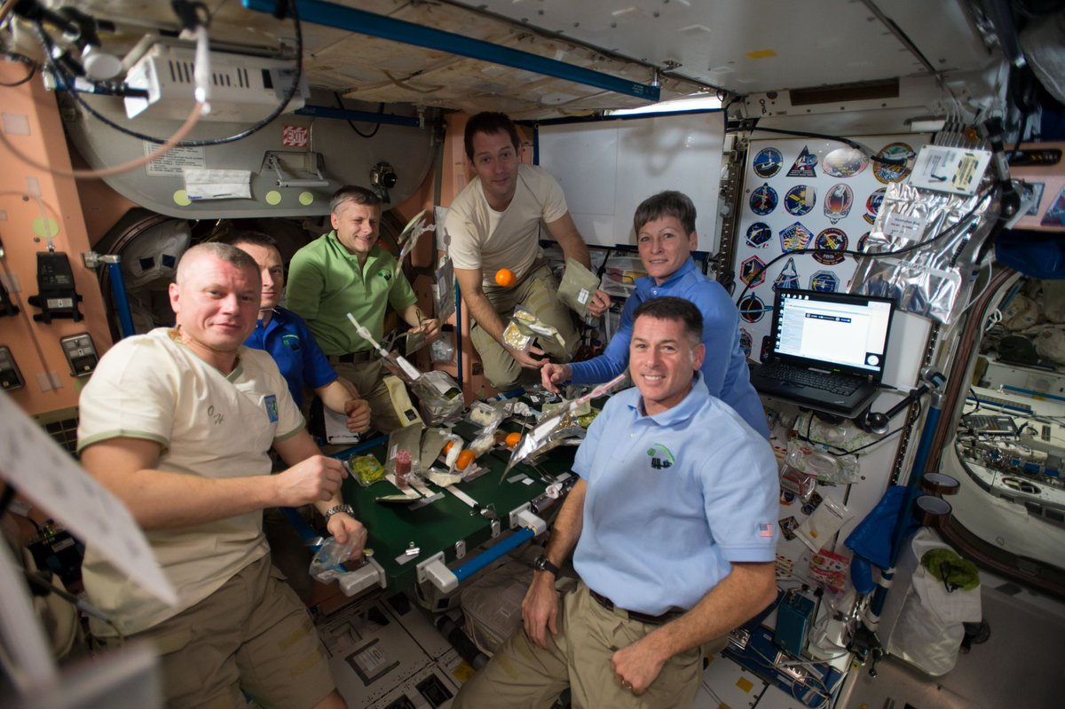Happy Thanksgiving! Time for some good food & company. Our astronauts on @Space_Station are spending #Thanksgiving away from their families, like many of us on Earth this year, but staying connected to one another is beneficial for our mental health: https://t.co/zk3Bb4W0vB https://t.co/4G1w1M8BdO