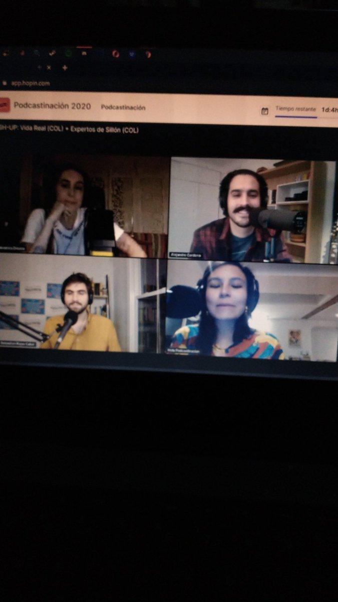 No se me ha bajado el hype en este día de #Podcastinacion2020 porque ahora estoy super conectada con @ExpertoSillon y @verozco  #PasaenPodcastinacion2020