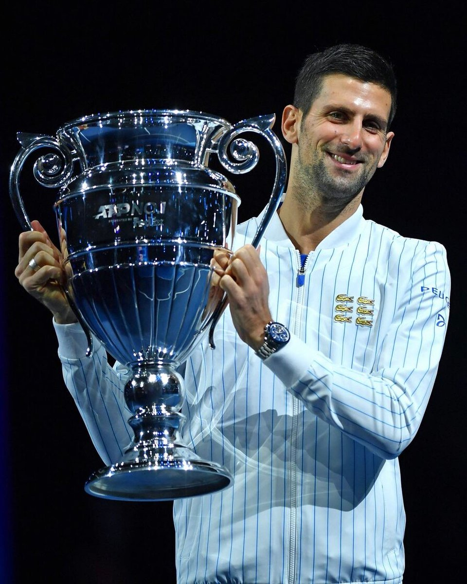 Even though I'm standing by myself here, this trophy equally belongs to all of my family, #TeamDjokovic, #NoleFam, and people who always believed in me and tirelessly supported me on this wonderful journey. I am very happy to celebrate another big milestone here in London. https://t.co/GtL4dPZft5