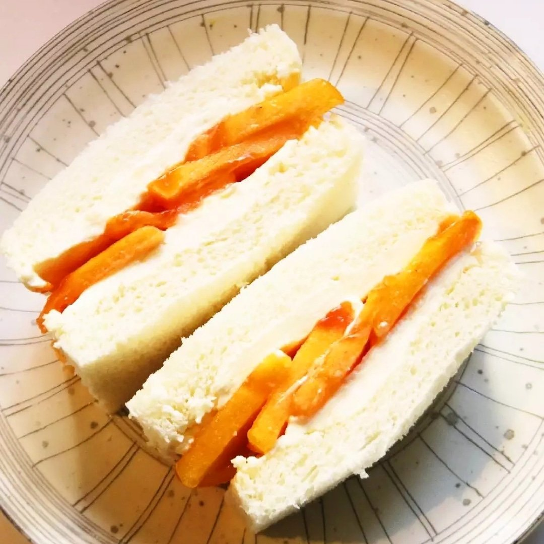 クックパッドで公開中の私のレシピをご紹介♪☺柿とクリームチーズのフルーツサンド☺ by hirokoh 柿とクリームチーズの相性ぴったりなフルーツサンドです#料理好きな人と繋がりたい#Twitter家庭料理部#お腹ペコリン部#おうちごはん#クックパッド#cookpad #YouTube
