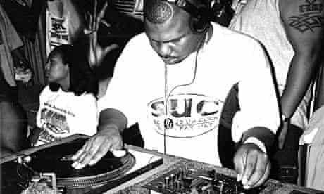 RIP DJ Screw July 20, 1971 - November 16, 2000