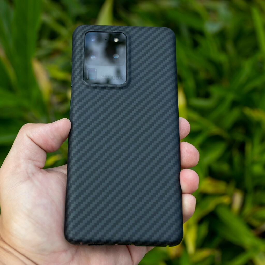 Still loving our AraMag Case on the Samsung Galaxy S20 Ultra. 🤩 It's tough to choose which newer Samsung flagship is the best. Both the Note 20 Ultra and the S20 Ultra seem like incredibly capable devices. Which one would you rather have? • #purcar… https://t.co/YWHI4tm5Cs https://t.co/swt6xjEMaT