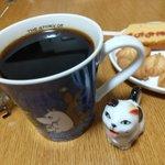 「猫のミルク差し」とても可愛くて気に入っていたので、使ってみたら・・・心配になる見た目だった。