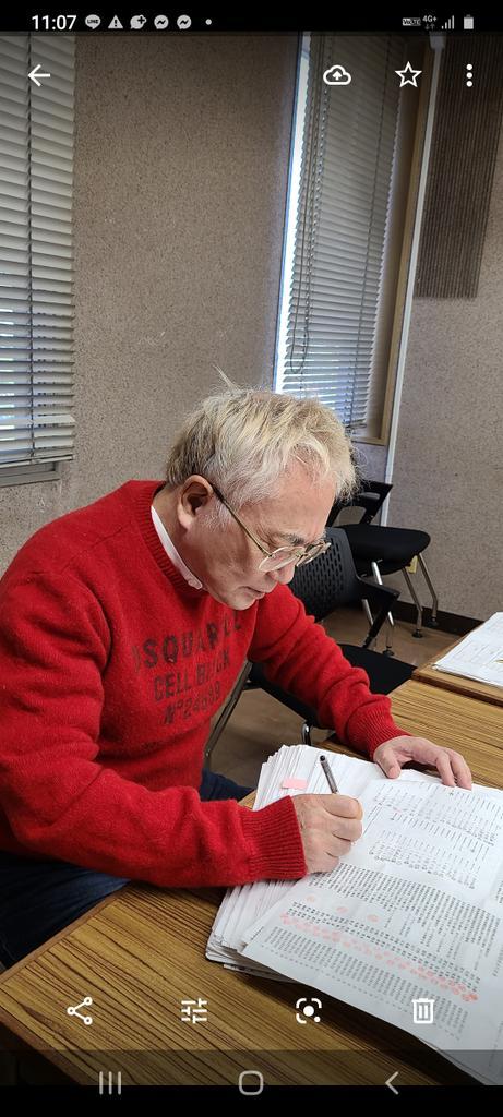 署名簿を選挙管理委員会の指示に従って改善しつづけているかっちゃん。必死。孤独なう。