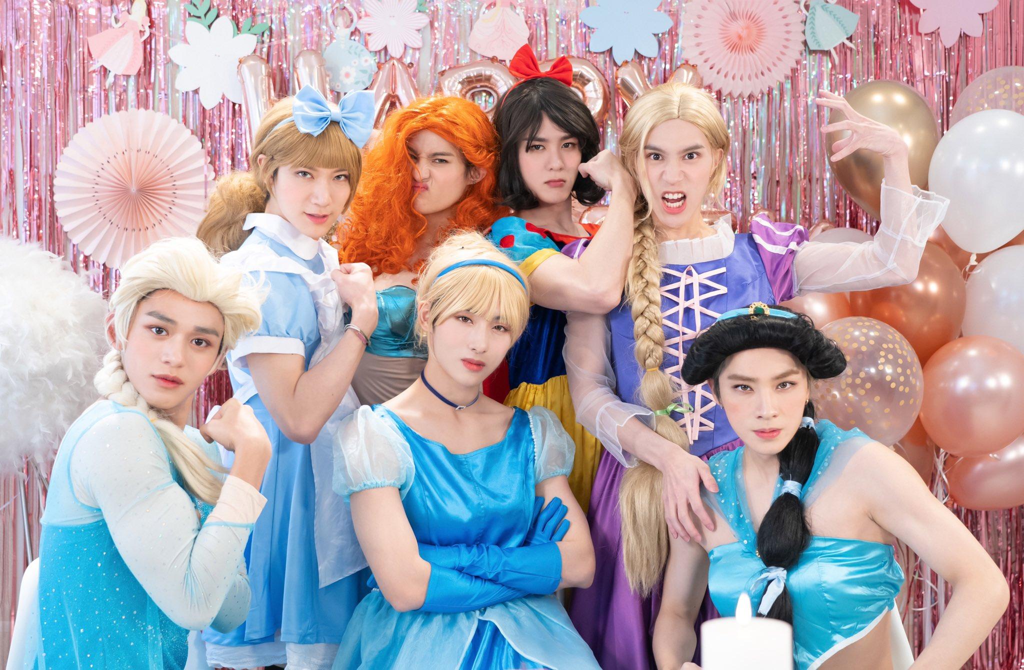 Wayv On Twitter Princess Party Photos Feat Wayv Wayv Weishenv Ũç¥žv