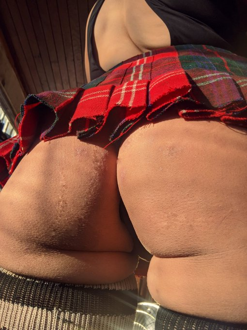 1 pic. LF: hand prints & bruises on this shamefully unmarked fat ass.   #pawg #ass #fatass #thicc #milf