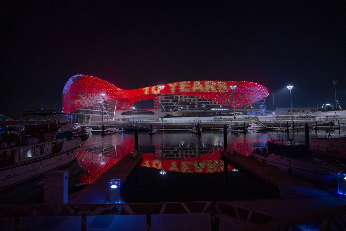 Unstoppable excitement, thrilling adventures, wholesome entertainment, bespoke luxury and Emarati hospitality - @YasIsland marks 10 years of fun 🎈🎉🎈#InAbuDhabi! Your extraordinary moments waiting for you, till then #StaySafe https://t.co/1m4KHeDIRG