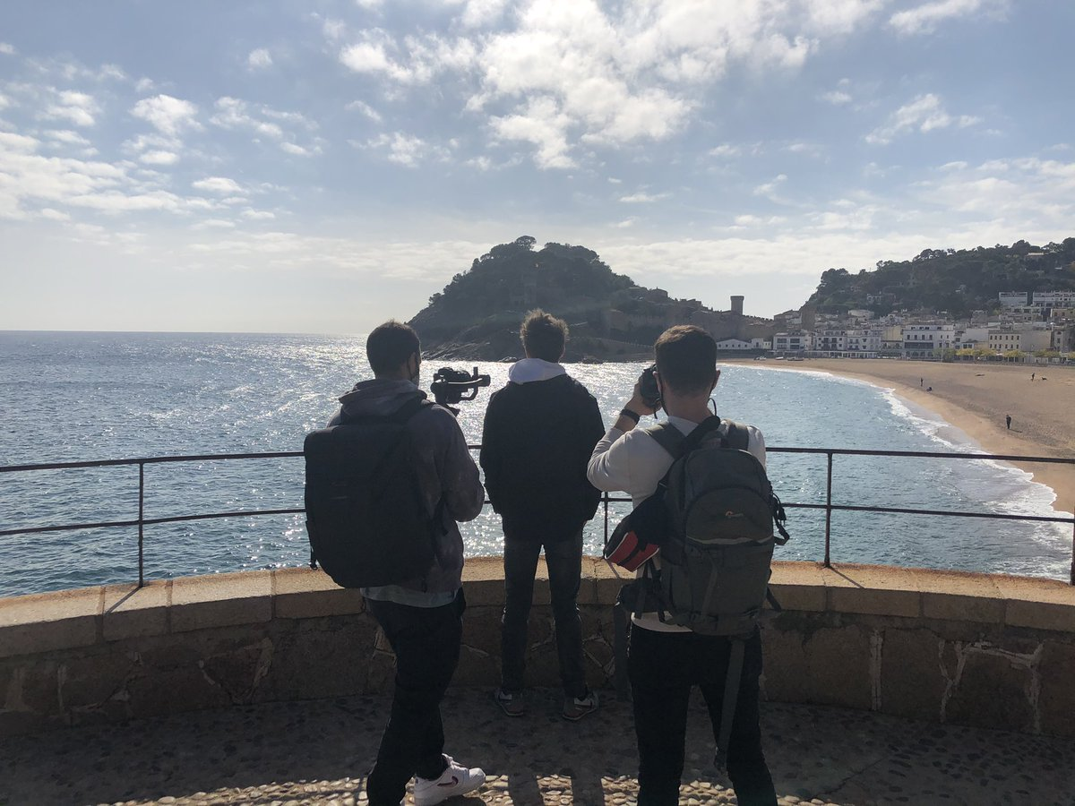 🎥Shooting Day 🤟🏼#Sesi  📍Tossa de Mar 🌊 #IniestaTV @RakutenSports  #ComingSoon