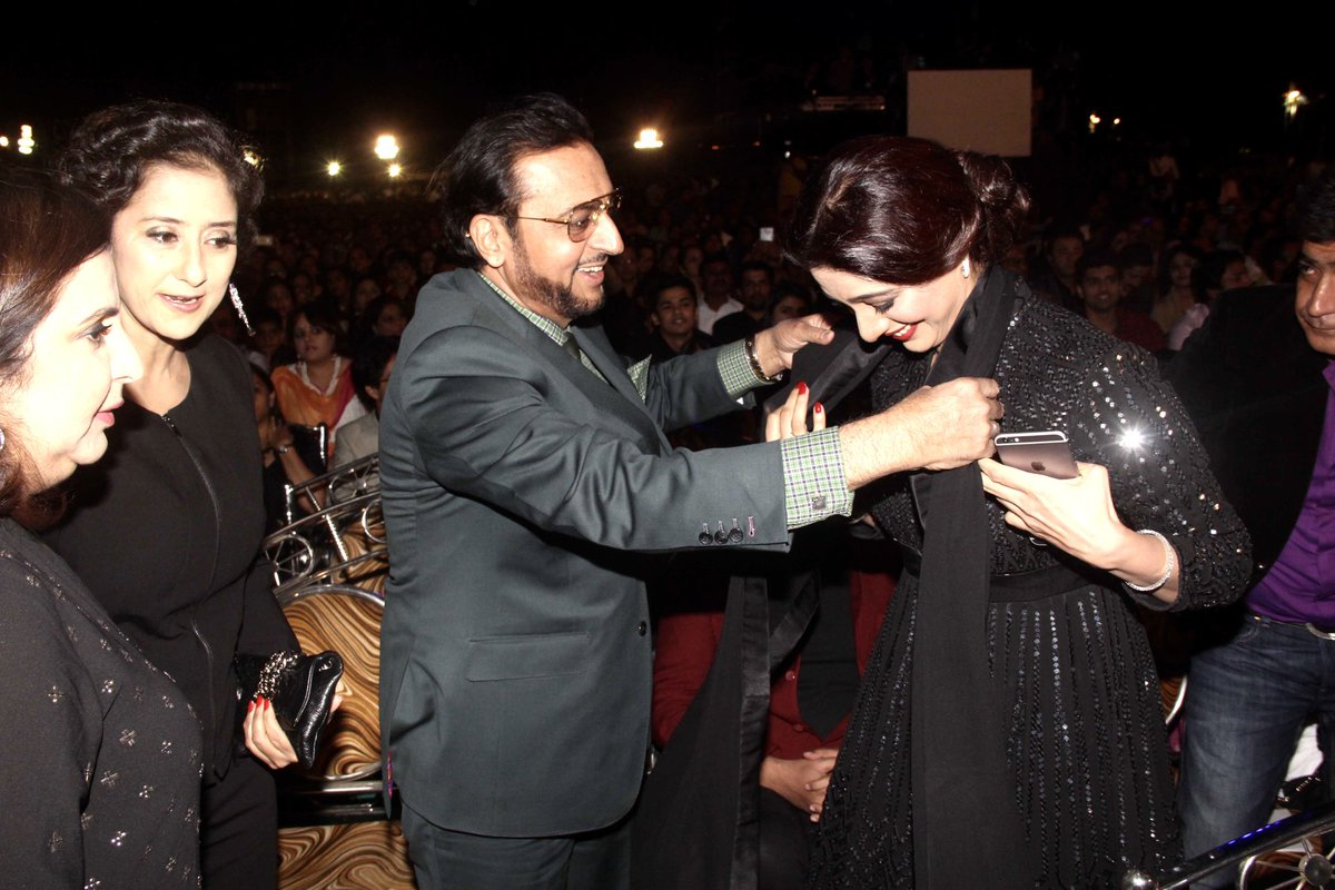 Happy Birthday #Tabu my friend. Keep doing diverse and superb work and keep making us proud. #HappyBirthdayTabu