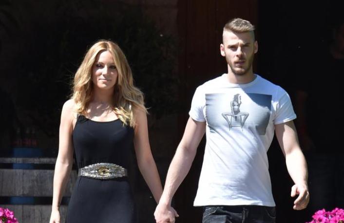 El arquero español del Manchester United, David de Gea, será padre por primera vez.   - De Gea, mantiene una relación con la cantante Edurne, quien en su cuenta de Instagram escribió #BabyIsComing