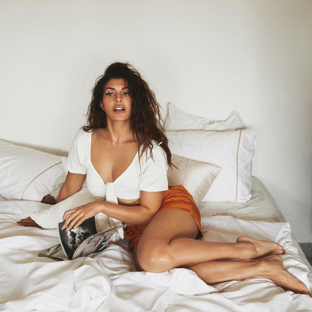 SHINING AND HOW?  The diva of B-town, @Asli_Jacqueline is ready to stun the audiences with 3 big projects. The actress is jumping from one set to another with the same excitement.