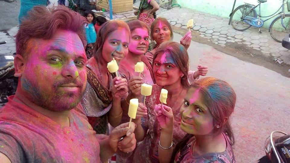 @bharatpeindia @kavi_kishmish Celebration with Freinds 😍🤩🤗🤗 #TeamBharatPe #cricketgoodies. #CheerForTeamBharatPe #ContestAlert #Win #cricketstars #Cricket