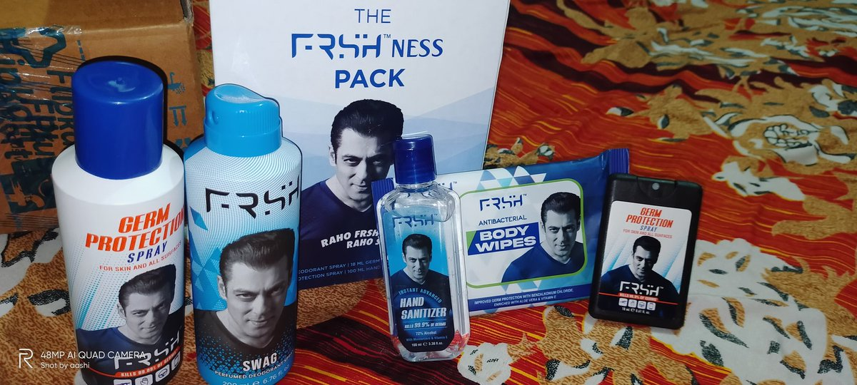 Commendable Surprise by @sumitsingh7787 thanks a lot I L♥️V YOU my Love and #WeLoveYouSalmanKhanForever #SalmanKhan @BeingSalmanKhan #FRSH @tweetbeinghuman thanks for these FRSHness pack ... Ab sab kuch hoga FRSH ek sath! #TheBigBillionDays