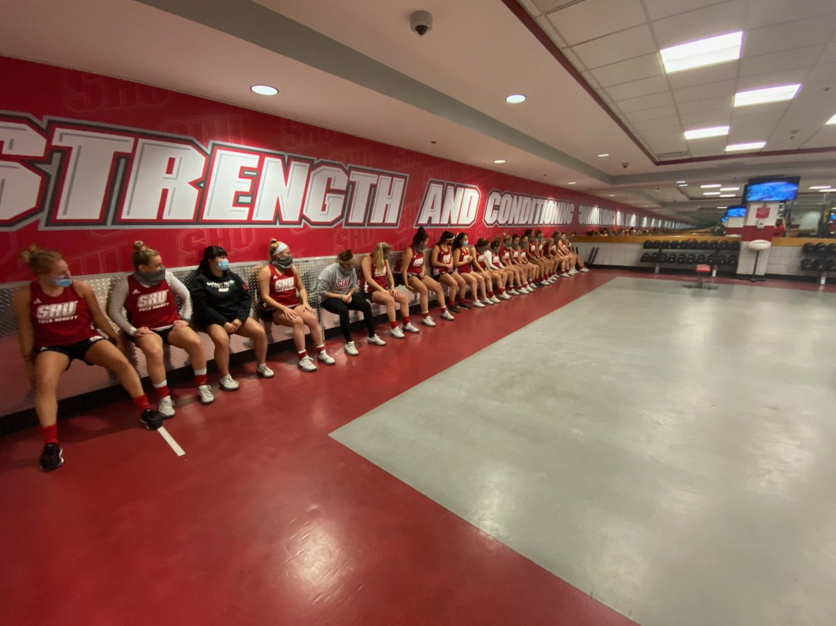 Yesterday our team did a 91 second wall sit to honor and remember @CalFieldHockey Zoë Rogers, for her passion for weight lifting💛🏋️♀️ #zr91 #united https://t.co/gb0sx3g65U
