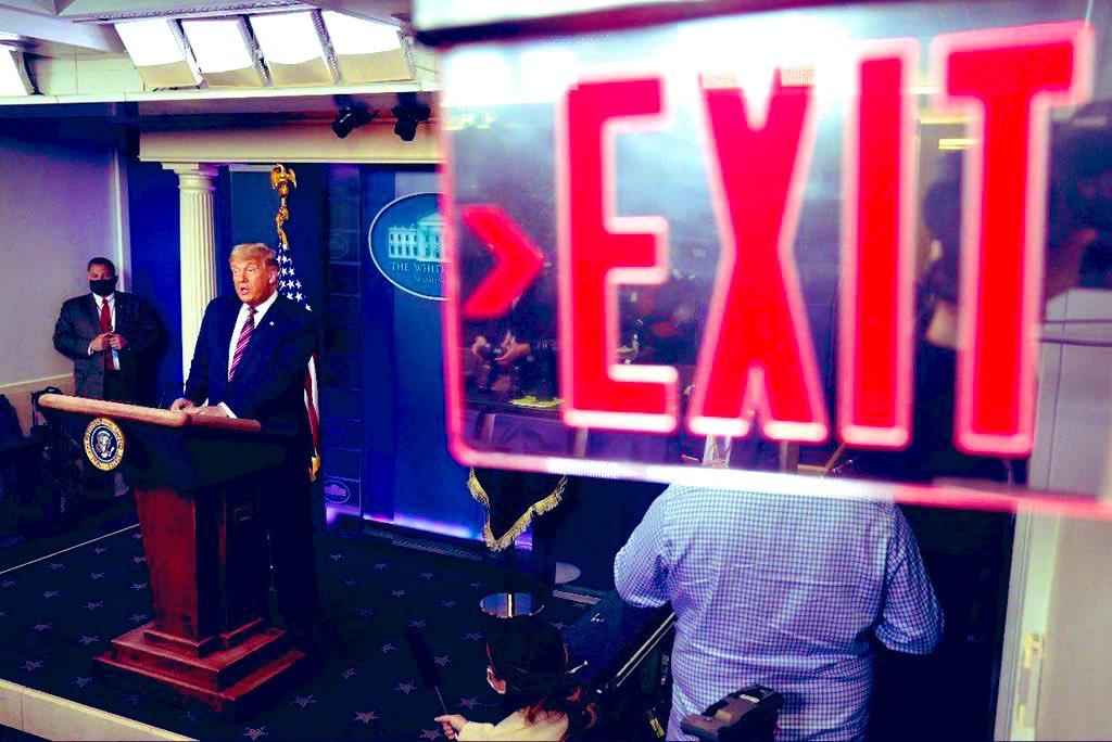 This photo has aged so well. 🤣😂🤣#TrumpMeltdown #TrumpIsLosing #theworldbecomingabetterplace #FingersCrossed