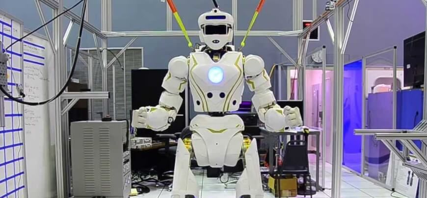 Controlerul de roboţi EPSON RC - Arizona Machinery